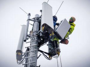 Die Deutsche Telekom rüstet Städte mit 5G-Antennen aus.
