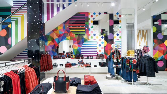 Der neue Store-Auftritt von Desigual: Der Markenkern ist unverkennbar, wurde aber deutlich