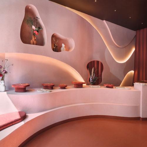 Runde Formen, ein häufiges Motiv der Designerin, bestimmten das Store-Design.