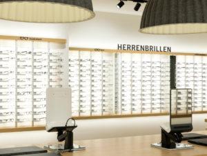 Die Brillenmodelle sind nach Damen- und Herrenbrillen sowie nach Form und Größe sortiert.