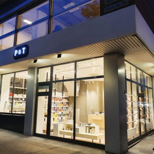 Die Fassade des neuen Paper & Tea Stores in Köln