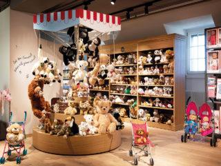 Die Spielwarenabteilung bei Loeb in Bern.
