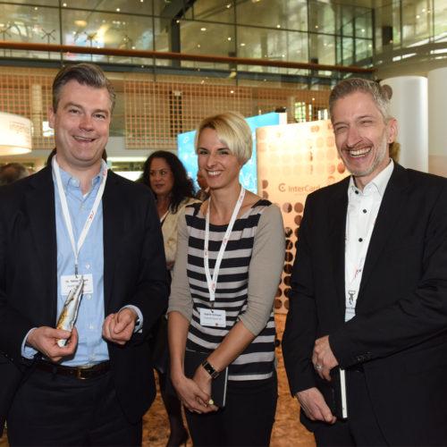 Bankentrio - Dr. Niklas Bartelt (Paydirekt) mit Nadine Schreyer und Jens Sewig (beide Commerzbank)
