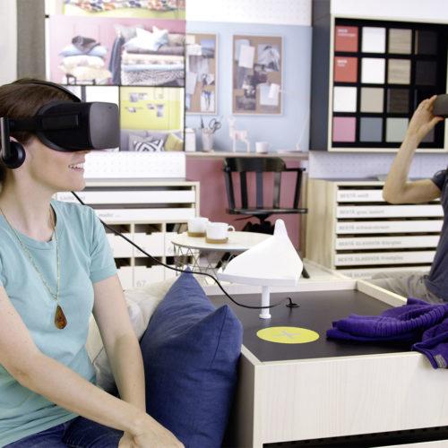 Ikea, Berlin-Lichtenberg: Im interaktiven Showroom, ausgestattet mit Oculus-Brille, lassen sich Möbel und Wohnstile virtuell ausprobieren. (Foto: Demodern - Digital Agency)