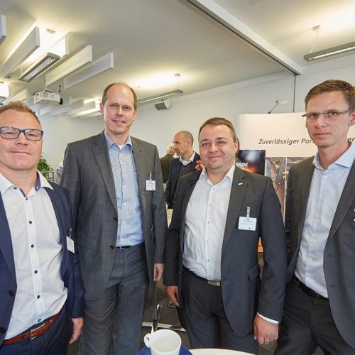 Zufriedene Teilnehmer (v.l.n.r.): Bernd Kreisel (Rewe Systems), Niels Linge (Miebach Consulting), Frank Hübner (Rewe Systems), Sascha Aschberger (Rewe Systems) (Foto: EHI/Schulten)