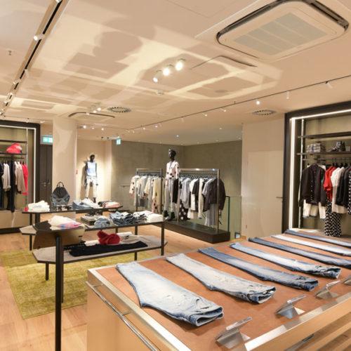 Der Menswear und der Accessoires-Bereich liegen im Erdgeschoss, die Female Area ist im ersten Geschoss untergebracht. (Foto: Diesel)