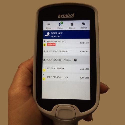 Via Smartphone und Metro-App erstelle digitale Einkaufsliste (Foto: Metro Cash & Carry France)