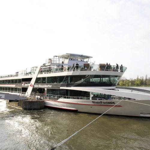 Abendveranstaltung auf der MS Rhein-Fantasie – hier noch am Anleger