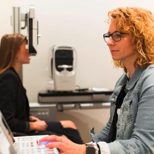 In separaten Räumen werden Optiker-Serviceleistungen angeboten. (Foto: Mister Spex)