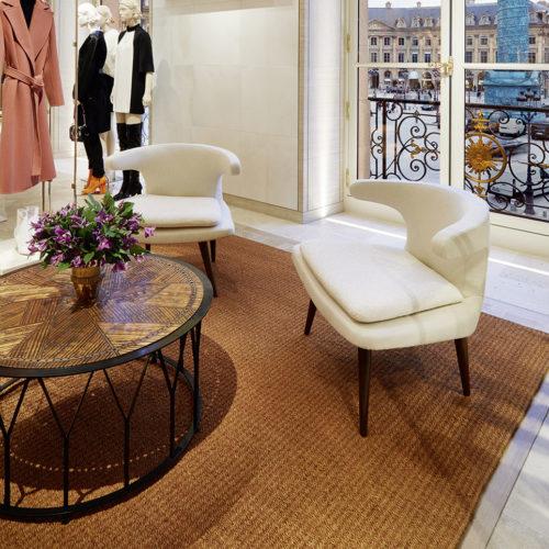 Der Ausblick aus dem Damenmodebereich auf den Place Vendôme mit der Siegessäule ist traumhaft. (Foto: Louis Vuitton Malletier/Stéphane Muratet)