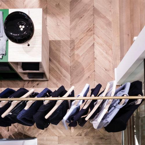 Der neue Store am Formenstandort ist mit 140 qm auf zwei Etagen der größte der insgesamt sieben reinen Herren-Stores der Marke. (Foto: Alexandra Kern)