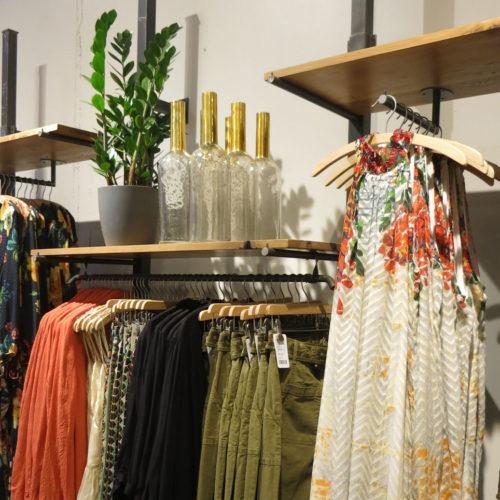 Vor allem Ware und Dekoration lassen den Store wirken.