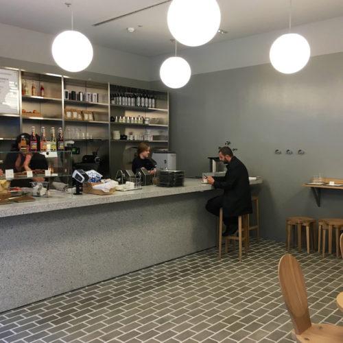 Für jede Arket-Filiale ist ein Café vorgesehen (Foto: Angelika Frank)