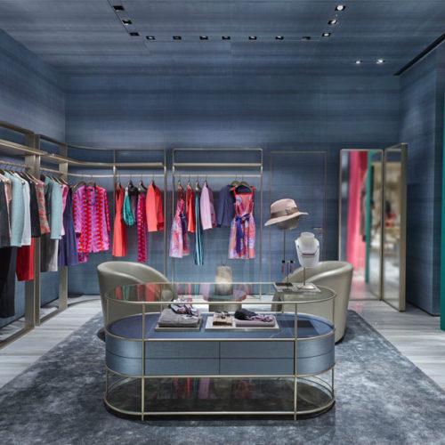 Das Store-Konzept, das Giorgio Armani selbst gemeinsam mit seinem Architekten-Team entwickelte, nimmt Bezug auf das Gebäude, in dem der Store liegt. (Foto: Beppe Raso)