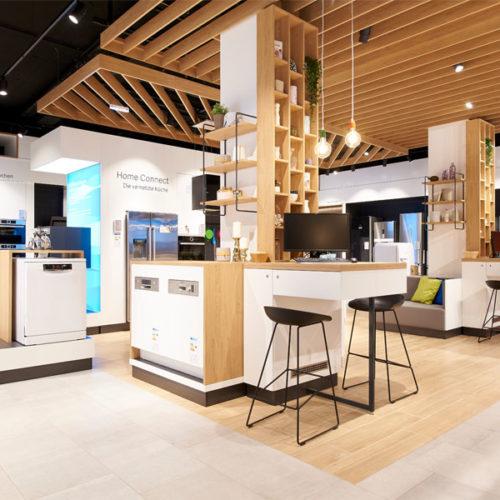 Mittels Materialmix wurde dieses Gefühl von Wärme und Geborgenheit im Store erzeugt. (Foto: Bosch)