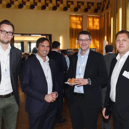 IT-Netzwerker treffen Lebensmittelhandel: Eike Folkerts und Dirk Rumler (beide T-Systems) neben Armin Lamers und Kai Uwe Becker (beide Lidl)