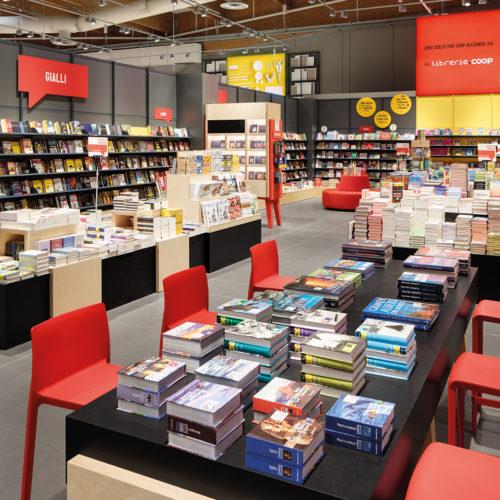 Coop-Shops aus dem Nonfood-Bereich, darunter Bücher... (Foto: Interstore)