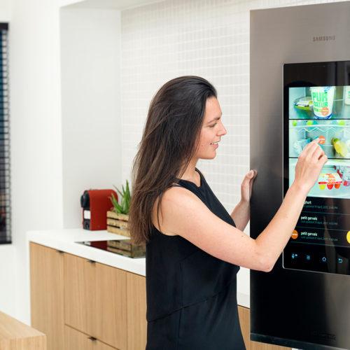 Einkaufsliste und Rezeptvorschläge: Ein smarter Kühlschrank soll zeigen, wie intelligente Geräte funktionieren. (Foto: Retail Detail)