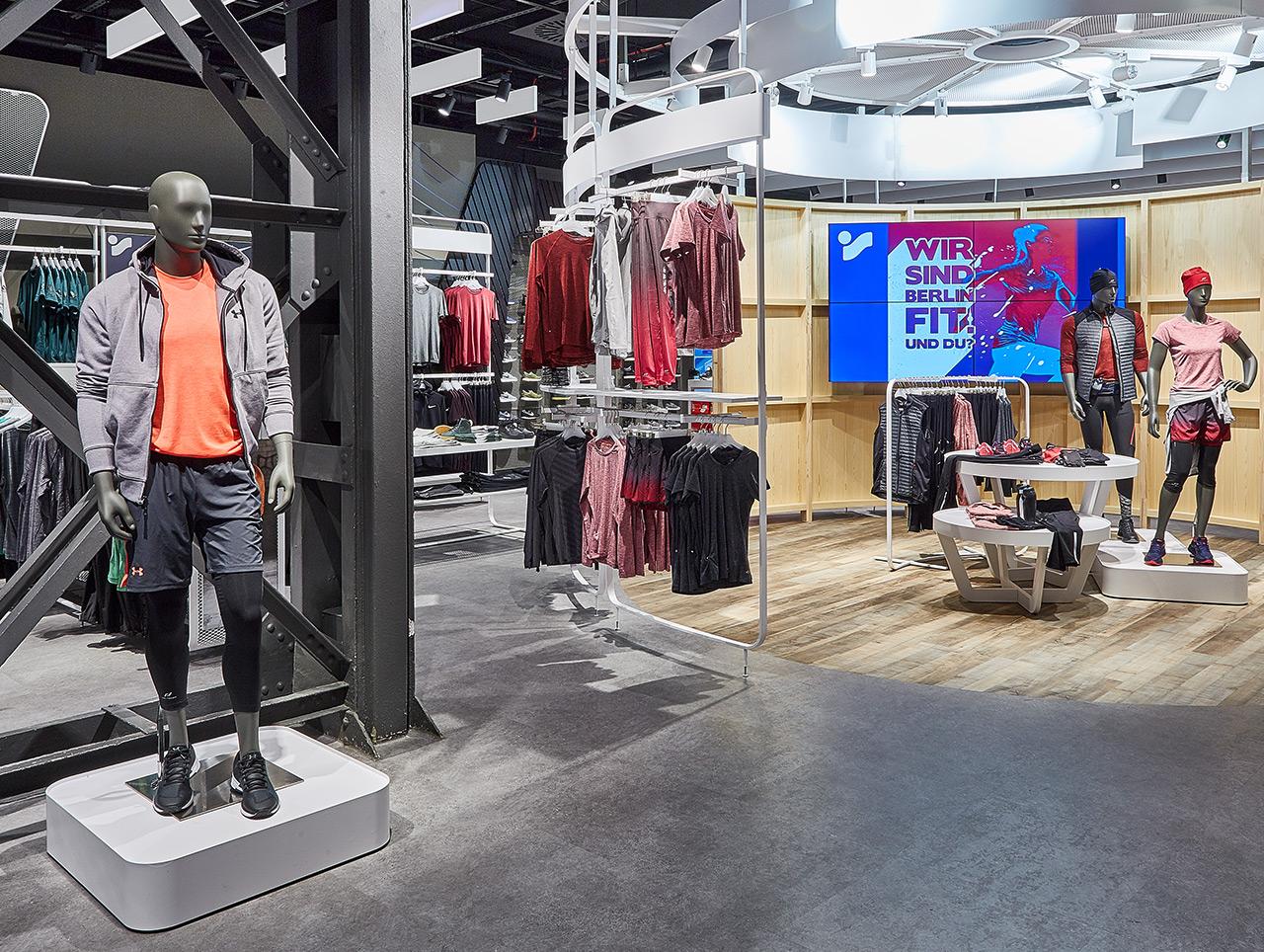 """68ec9f590524a8 Der """"Action Place"""" empfängt Kunden alle 2 Wochen in neuem Look – hier im"""