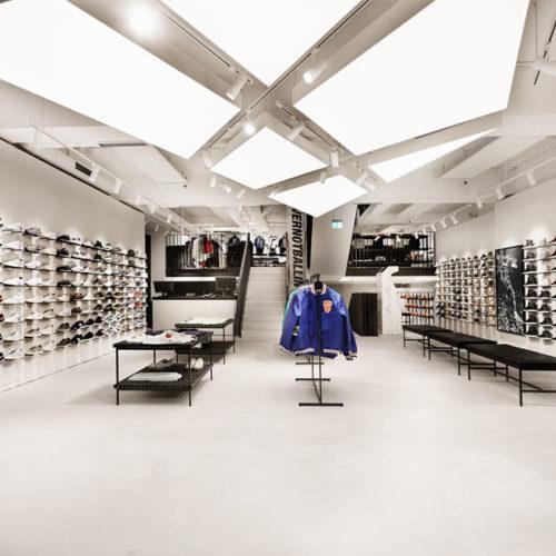 """Das neue Hamburger Store-Konzept entwickelte er selbst: """"Unser Flagshipstore in Hamburg schreibt ein neues Kapitel in der Kickz-Geschichte. Mit seinem komplett neugestalteten Look haben wir einen Ort geschaffen, an dem Basketball und Lifestyle aufeinander treffen."""""""