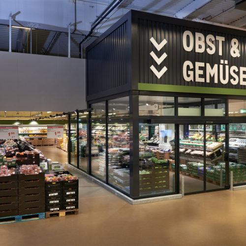 """In der Obst- und Gemüse-Abteilung dient ein """"Frische-Cube"""" zur Kühlung empfindlicher Produte wie Pilze und Salat. (Foto: Metro)"""