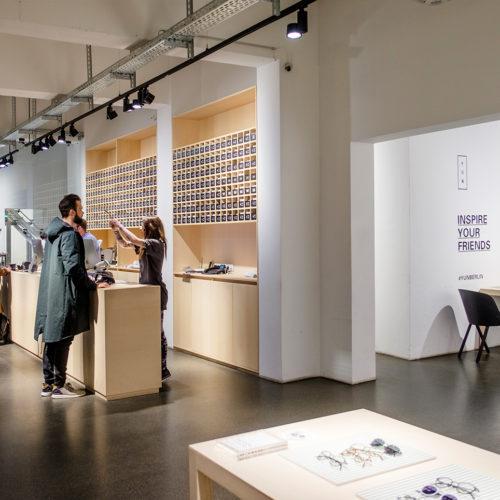 Der Yun-Store in funktionaler Werkstatt-Optik. (Foto: Sebastian Meyer)