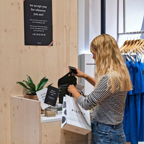 Store mit Selbstbedienung... (Foto: Dalziel & Pow)