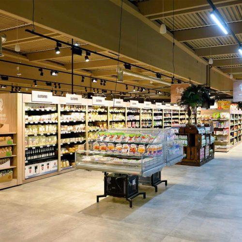Nahrungsmittel für Kunden mit Lebensmittelunverträglichkeiten werden gebündelt präsentiert. (Foto: Real SB-Warenhaus)