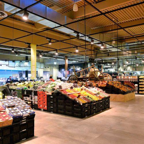 Die Obst- und Gemüseabteilung befindet sich direkt an der Hauptachse im Eingangsbereich. (Foto: Real SB-Warenhaus)