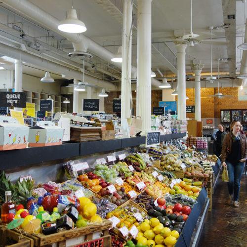 Markthallen-Atmosphäre bei Fallon & Byrne (Foto: J. Puda)