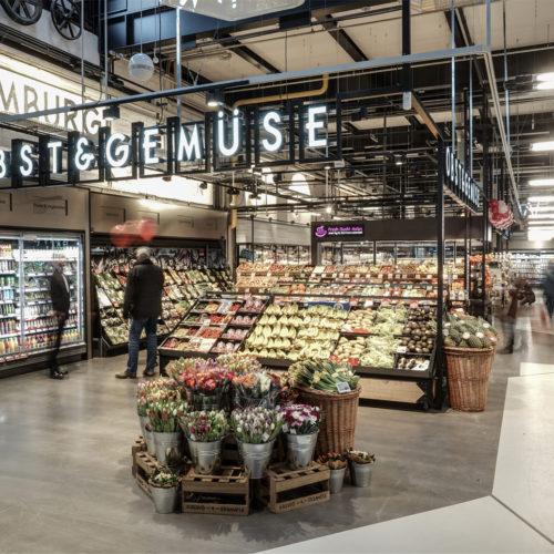 In der Mitte des Marktes: die Obst- und Gemüseabteilung