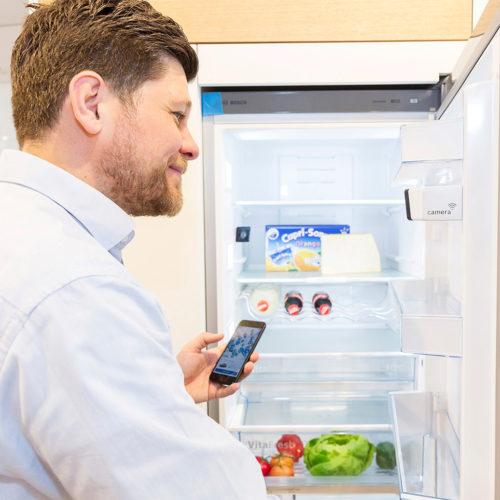 Kühlschränke mit Kameras erkennen, welche Produkten wir nachbestellen müssen. (Foto: GS1)