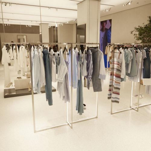 Puristisches Storedesign (Foto: Zara)