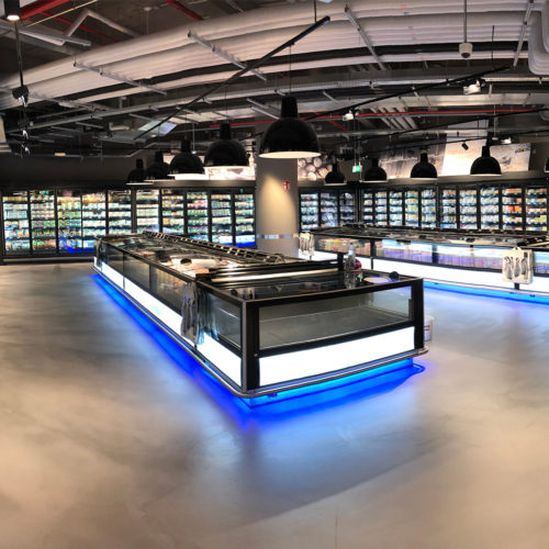 Mit Licht inszeniert: die Abteilung für Tiefkühlkost (Foto: Zurheide Feine Kost)